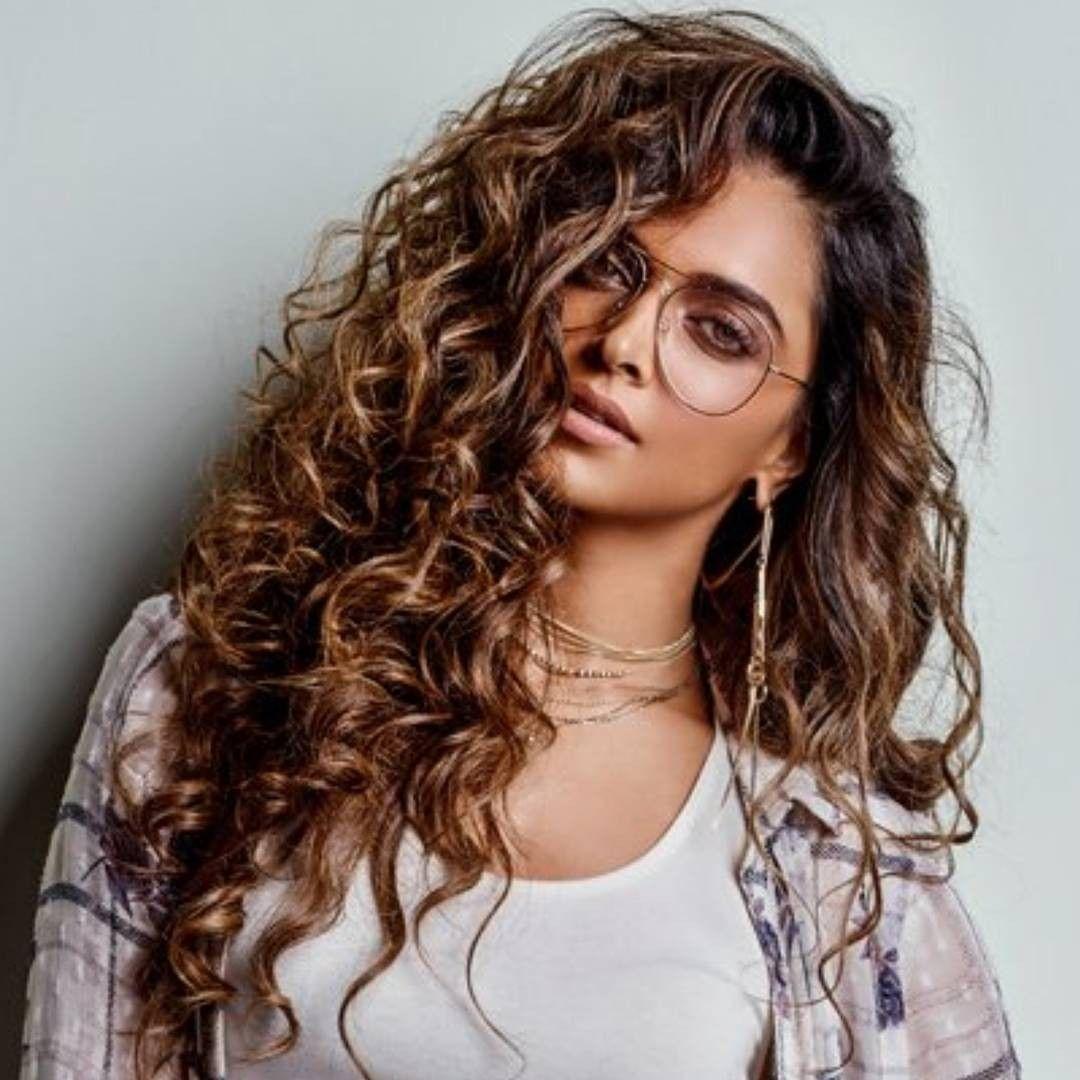 Pin By Sha Jan On Deepika Padukone Curly Girl Hairstyles Ponytail Girl Hair Looks