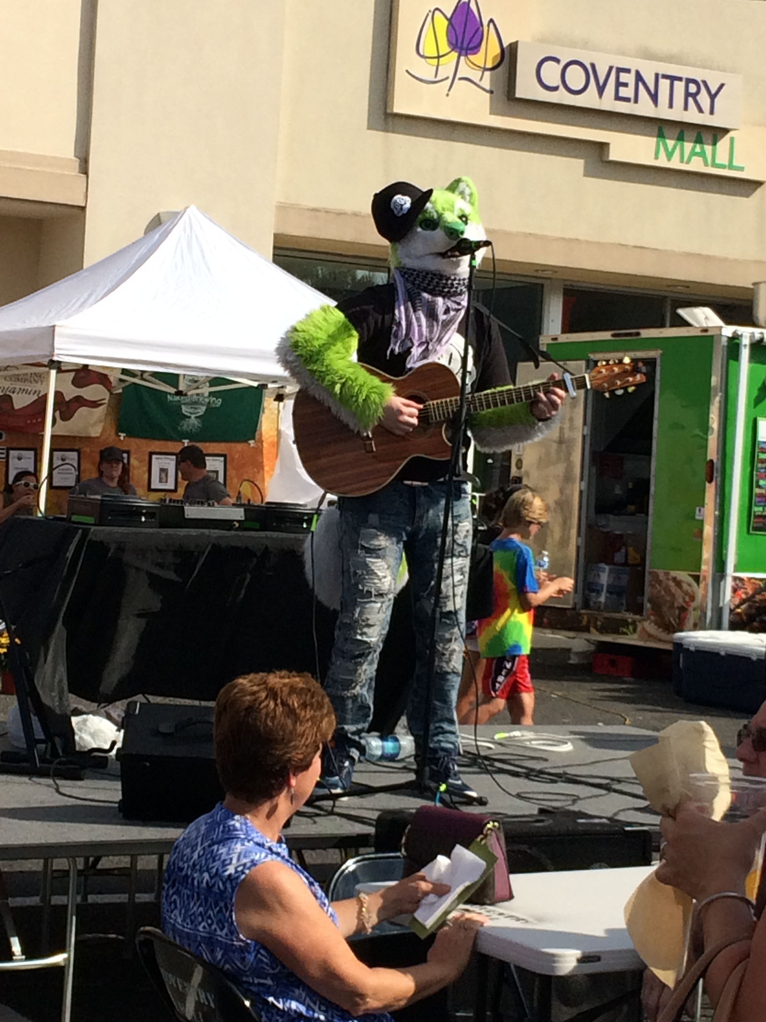 A rockin' time at the Food Truck Craze Fall Fest happening