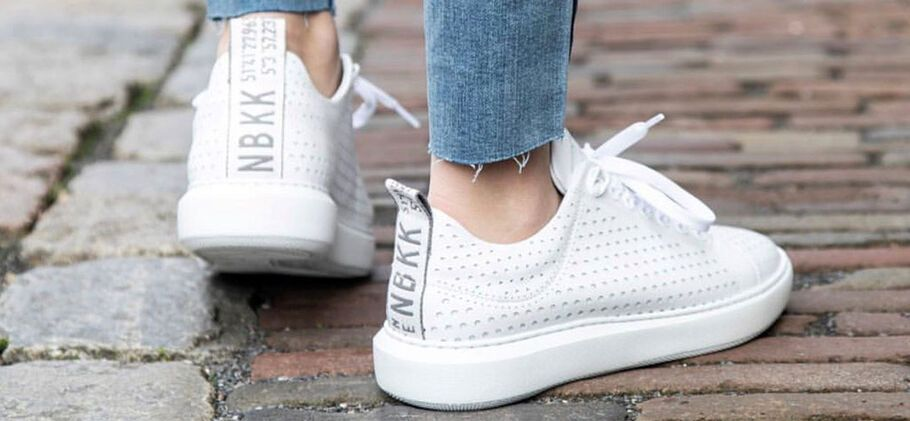 Zo worden jouw witte sneakers weer schoon!   DefShop Blog