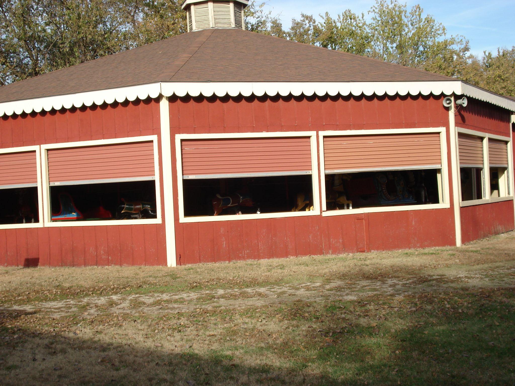 Kansas dickinson county abilene - Cw Parker Steam Driven Carousel At Old Town Abilene Ks