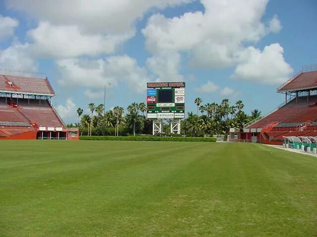 Inside East End Zone From Field Level Of Miami S Orange Bowl Orange Bowl Field Golf Courses