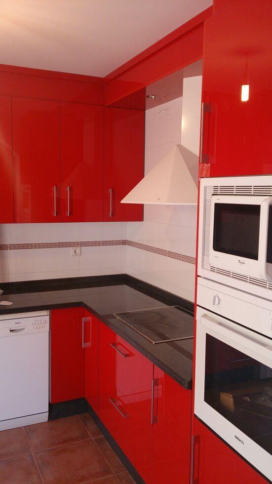 Cocina con puerta melamina lacada cocinas montadas - Cocinas de melamina ...