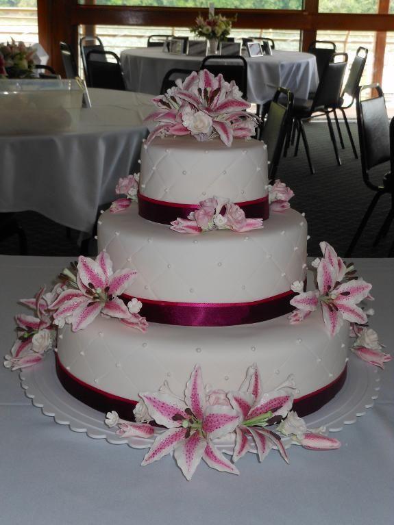 Stargazing Lilies Wedding Ideas Stargazer Lily Wedding Cake By C - Wedding Cake With Lilies