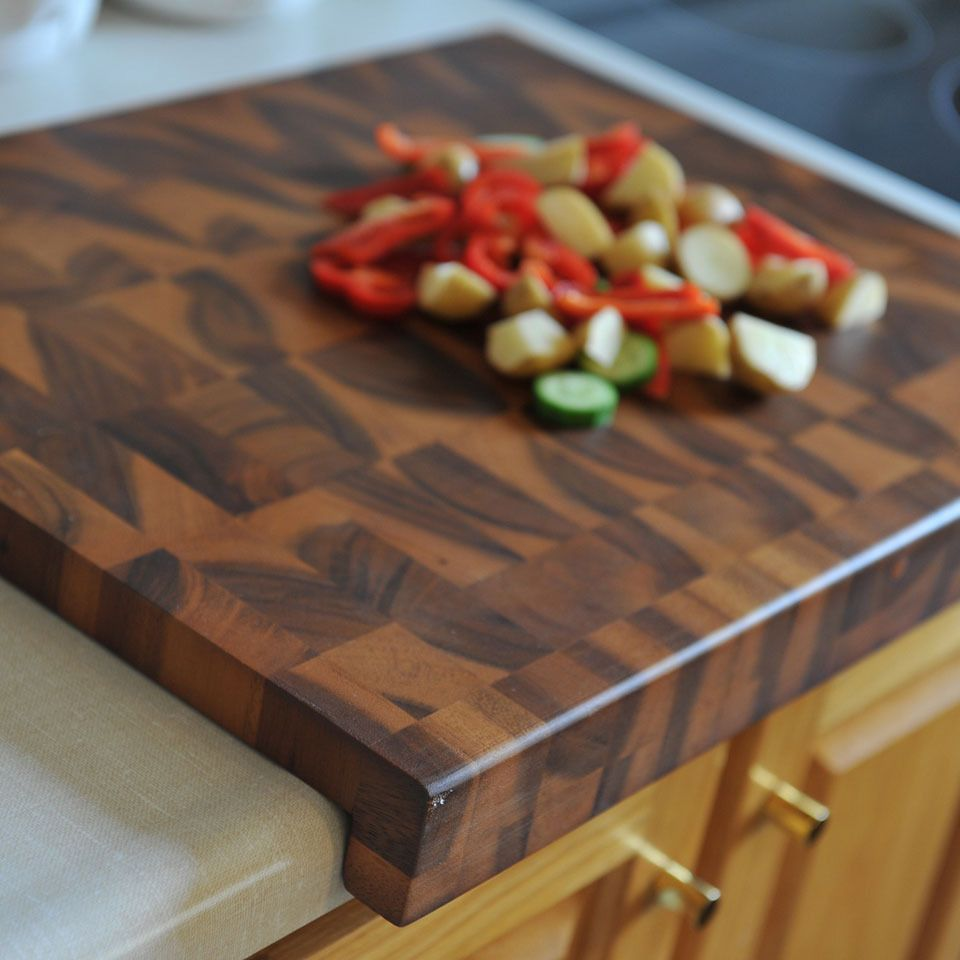Multi Grain Wood Cutting Board with Counter Edge
