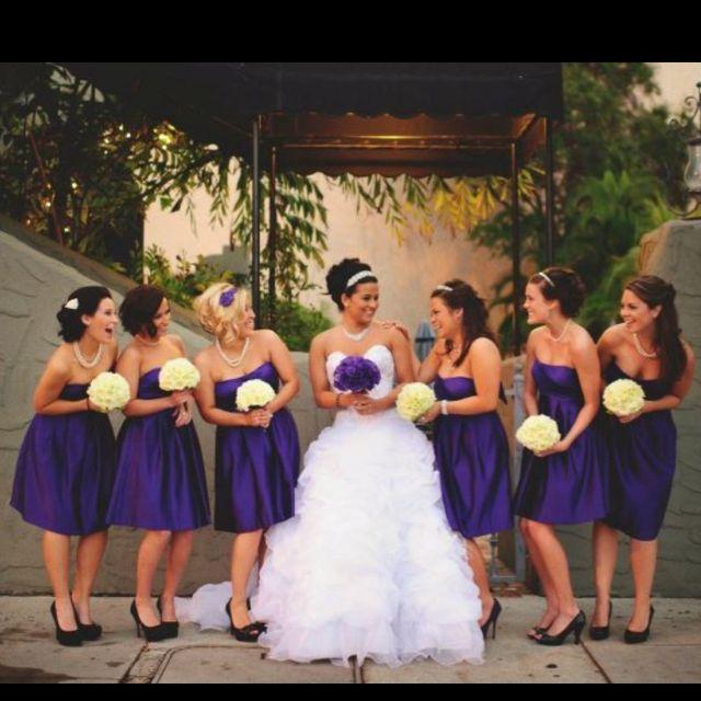 12250f03f combina los vestidos morados de las damas de honor con tu ramo y tu vestido  blanco con los suyos