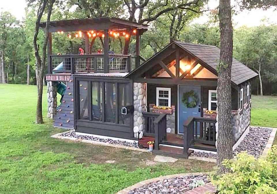 The Ultimate She Shed With Attached Kids Play Area In 2020 Rustic House Small Dream Homes Tiny House Design