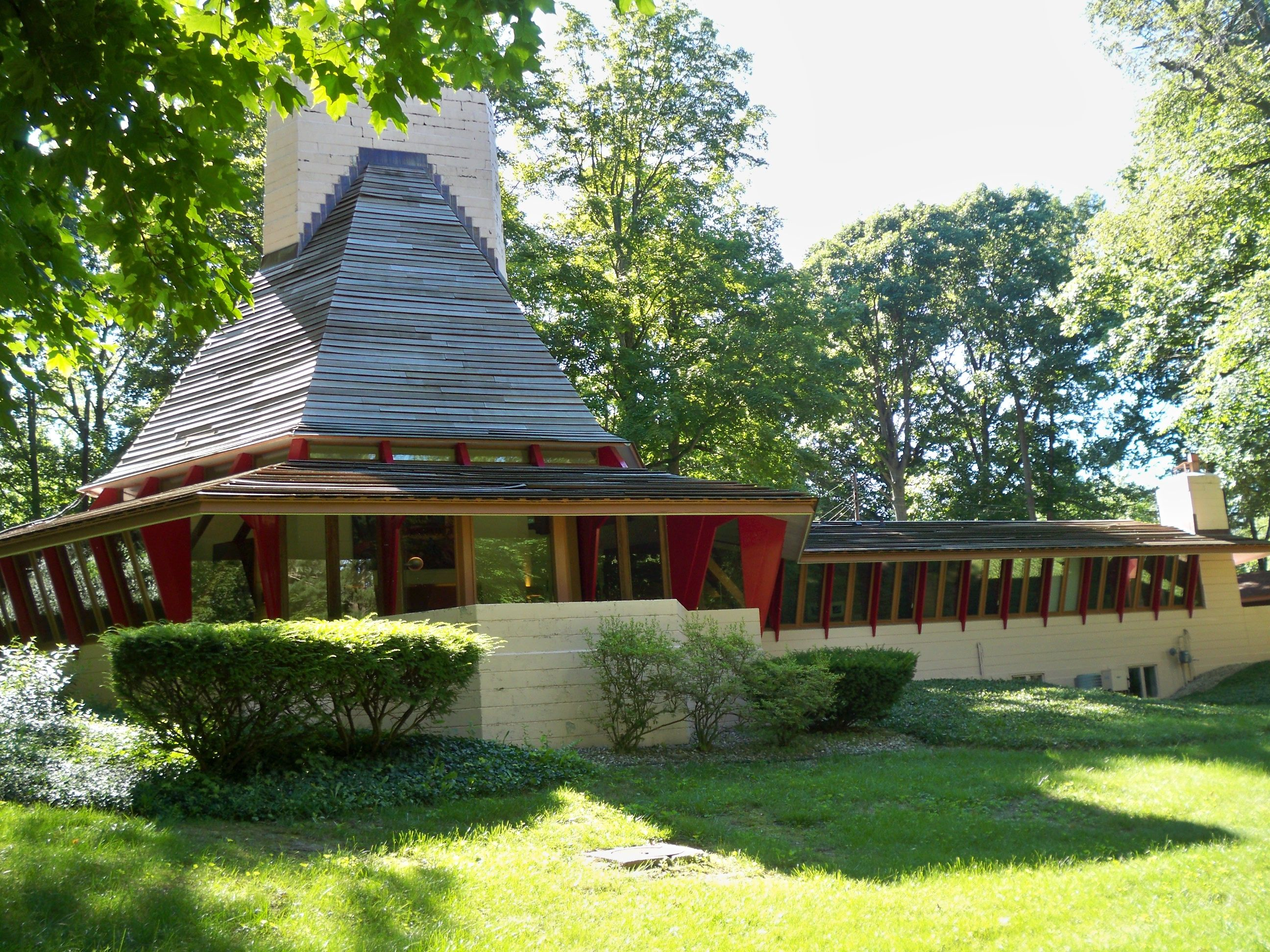 Woodside A House Built By Famed Architect Frank Lloyd Wright In