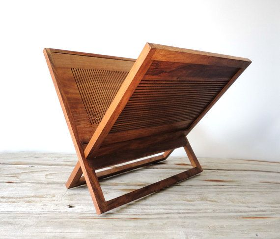 Modern Wood Magazine Rack / GallivantingGirls