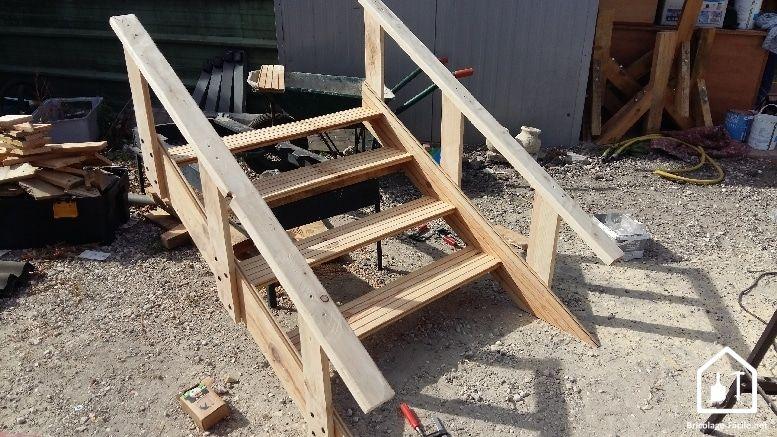 Construire une cabane en palette : tuto, DIY... - Bricolage Facile en 2019   Cabane palette ...