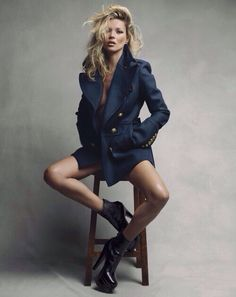 Kate Moss Inspiration Perch Pose In Love With That Coat