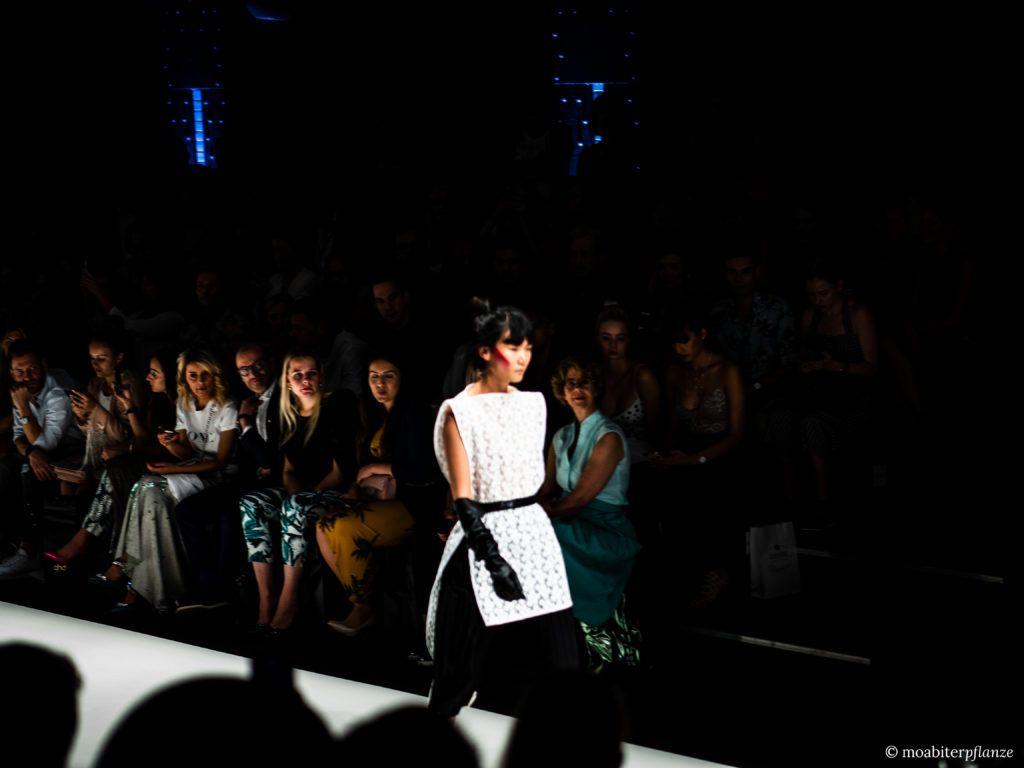Irene Luft Neon Noir Moabiterpflanze Fashion Week Berlin Catwalk Modenschau Mode Modedesign