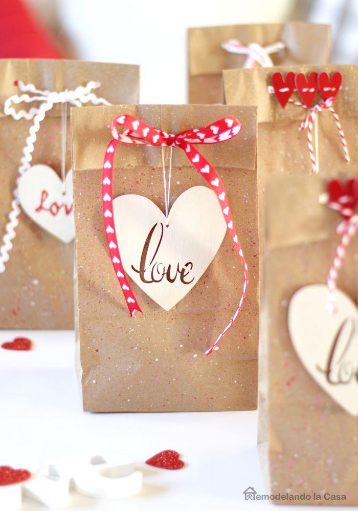 Valentine S Day Favor Bags Valentine S Day Diy Valentines Diy Valentine Decorations