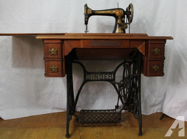 Antique 1896, Model 27, Singer Treadle Sewing Machine, in Oak Cabinet for  Sale - Antique 1896, Model 27, Singer Treadle Sewing Machine, In Oak