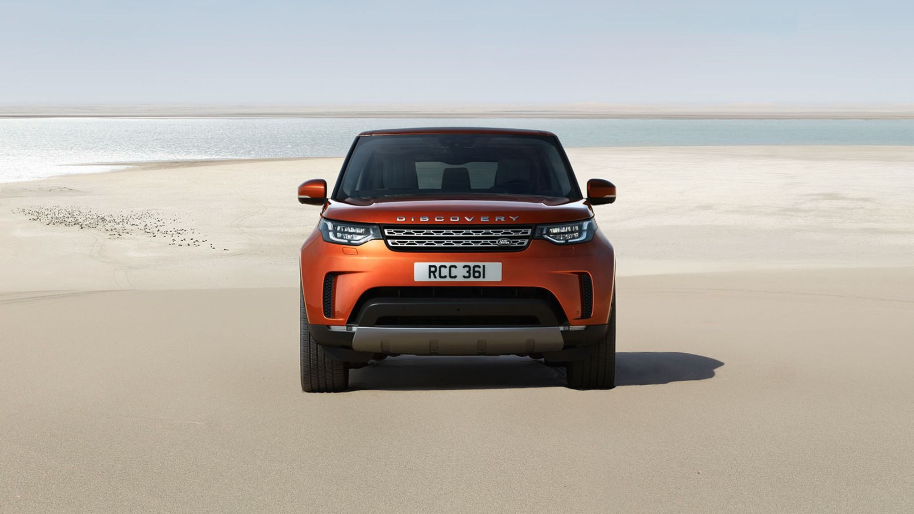 New LandRover Discovery 2017 launched at Rs. 68.05 Lakh