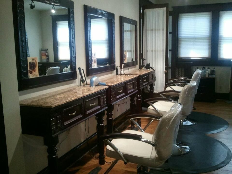Stylists Stations Bella salon, Aveda salon, Spa salon