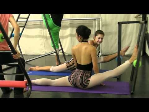 Splits and Oversplits at V and T Dance