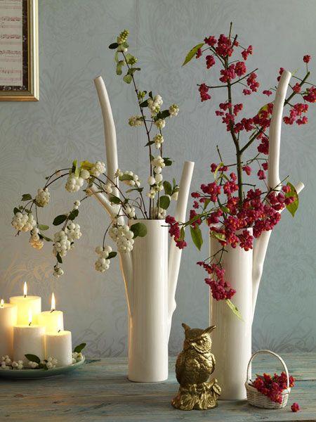 Mit beerenzweigen pfaffenh tchen und schneeballbeeren - Herbst dekoration tisch ...