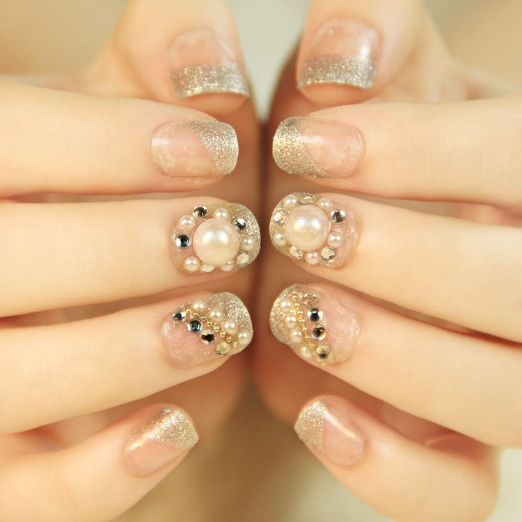 Pin by Diana Lagos on NAIL DESIGN - Gold | Pinterest | Short nails