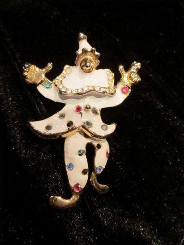 Unmarked Trifari? White Enamel MOVING Clown Rhinestone Vintage Brooch Pin