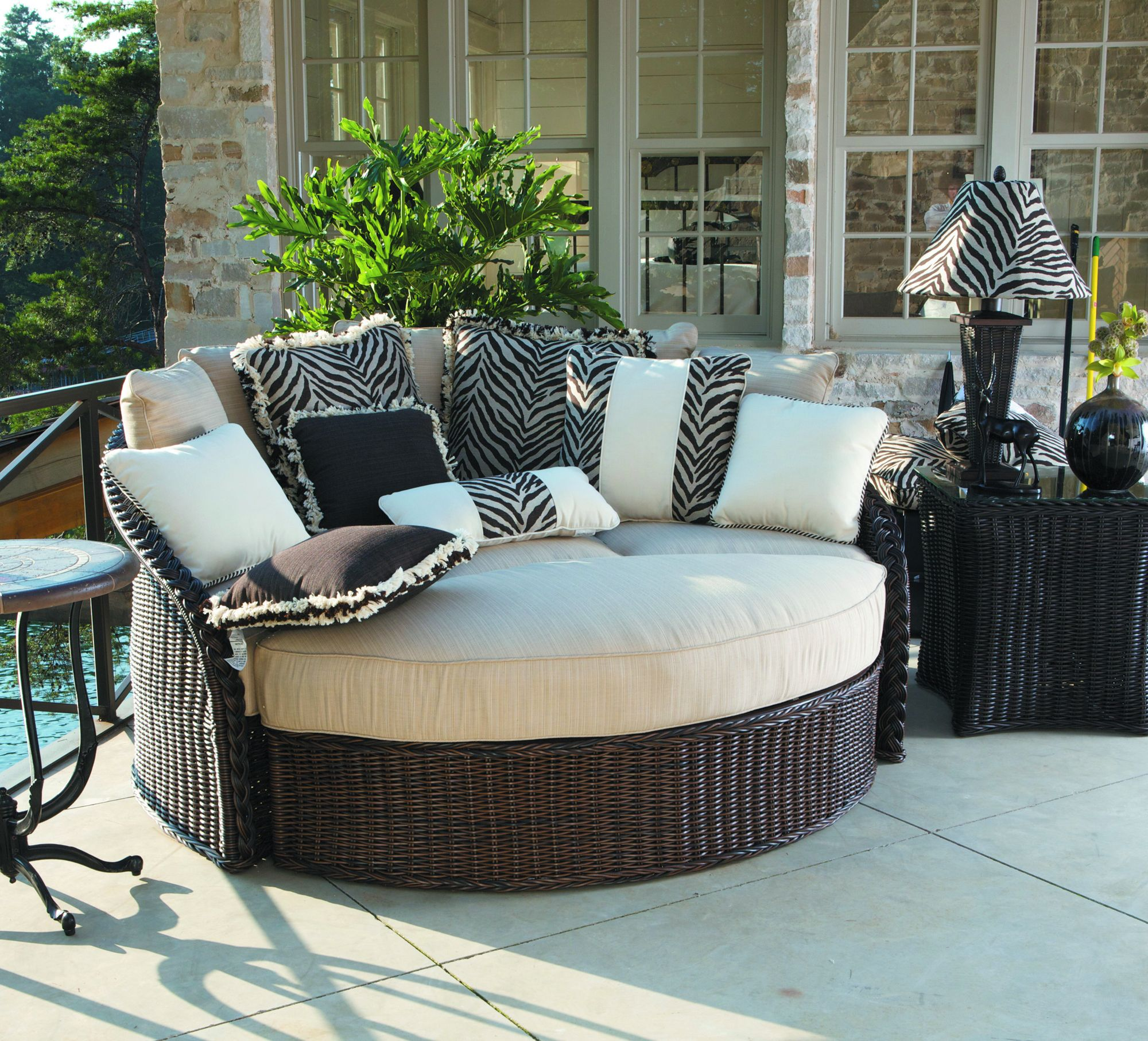 Beautiful Day Bed From Sedona Outdoor Collection Made From A 6mm Hand Woven Round N Dura Resin Outdoor Balcony Furniture Balcony Furniture Outdoor Porch Bed