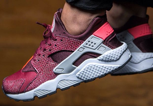 nike air huarache women sneakers