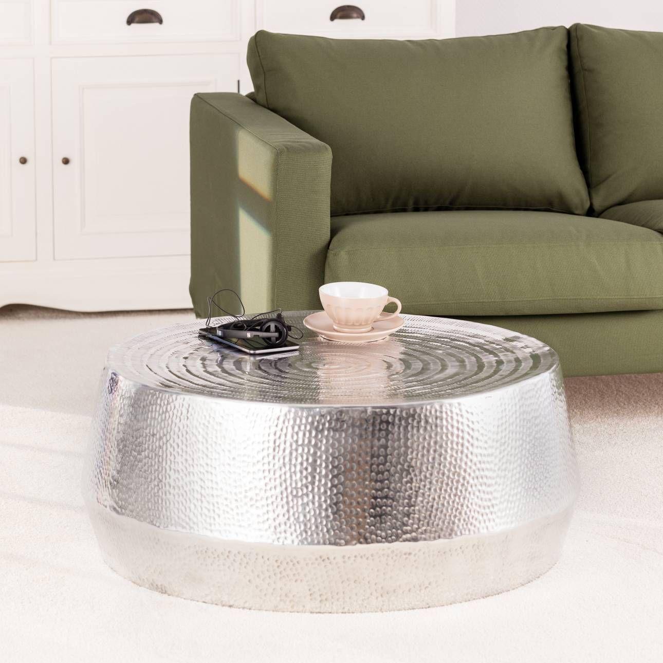 wohnzimmer silber, der bauchige #tisch in #silber macht sich #glänzend im wohnzimmer, Design ideen