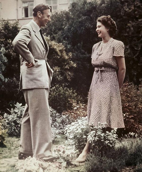 royal photoalbum royaut s pinterest royaut reine et familles royales britanniques. Black Bedroom Furniture Sets. Home Design Ideas