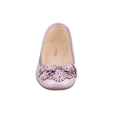 "Sweettea is one of those must-have ballet flats you'll want to wear all season long. That's how comfortable it is. Pretty floral detail on toe. Padded footbed for all-day comfort. Leather upper. Man-made lining and sole. Imported. 1/4"" low heels."