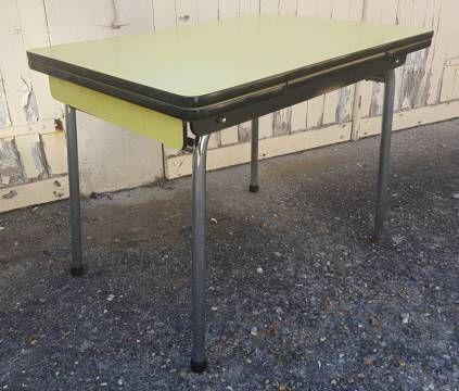 Table En Formica Jaune Vintage Annees 60 Table Formica Table Vintage