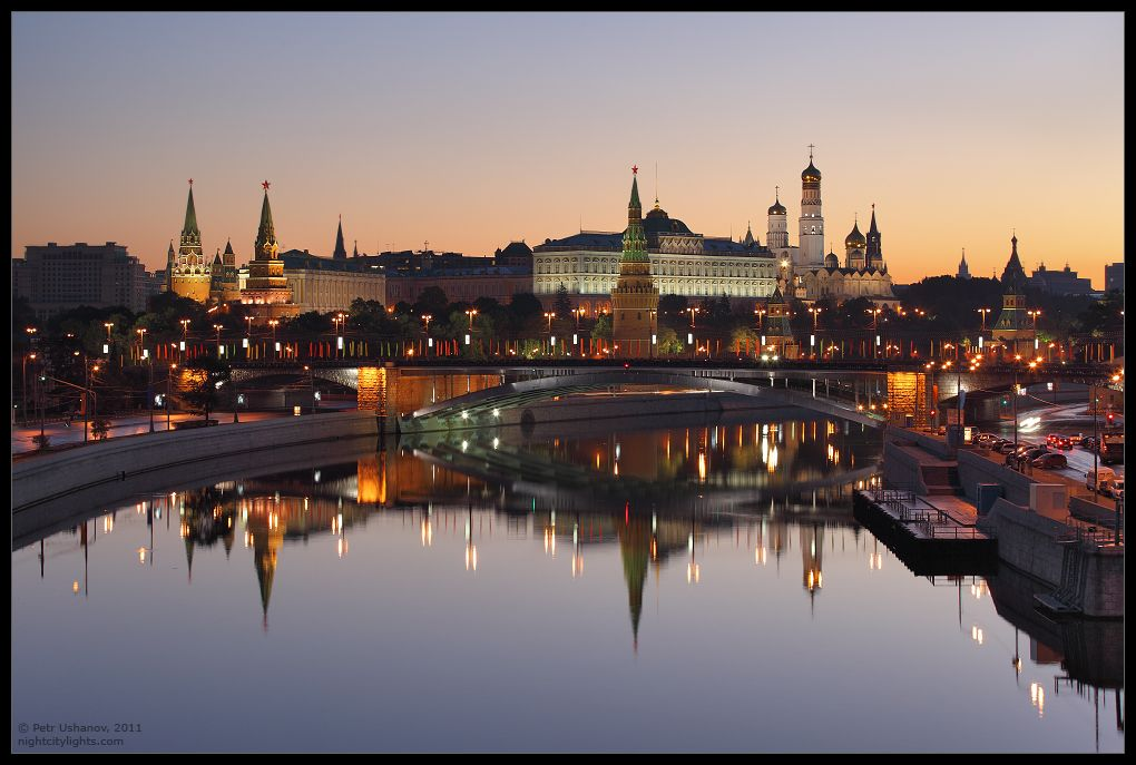 Kremlin. Sunrise (en)  Кремль. Рассвет (ru)
