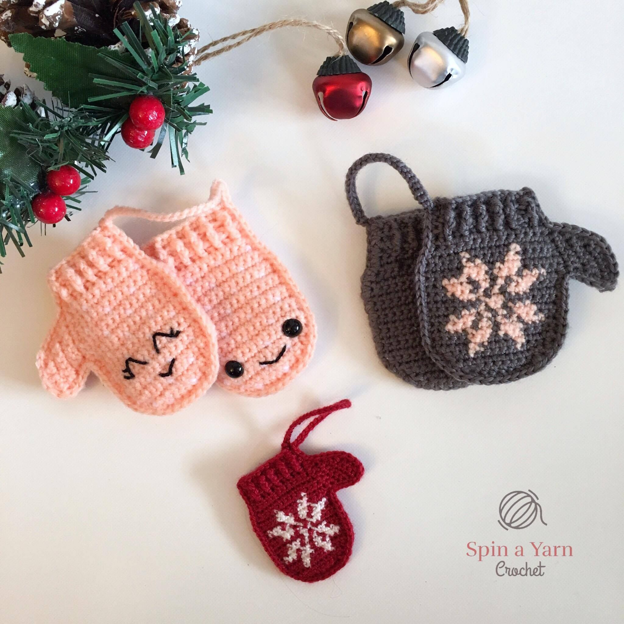 Mittens Ornament - Free Crochet Pattern at Spin a Yarn Crochet ...
