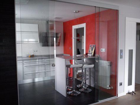 Cocina roja con mampara de cristal mini departamentos Pinterest