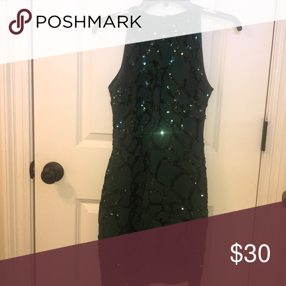 Dillard S Green Cocktail Dress Only Worn For 2 Hours To Homecoming Definitely The Most Figure Flatterin Green Cocktail Dress Figure Flattering Dresses Dresses With 330 stores nationwide chances are there is a location near you. pinterest