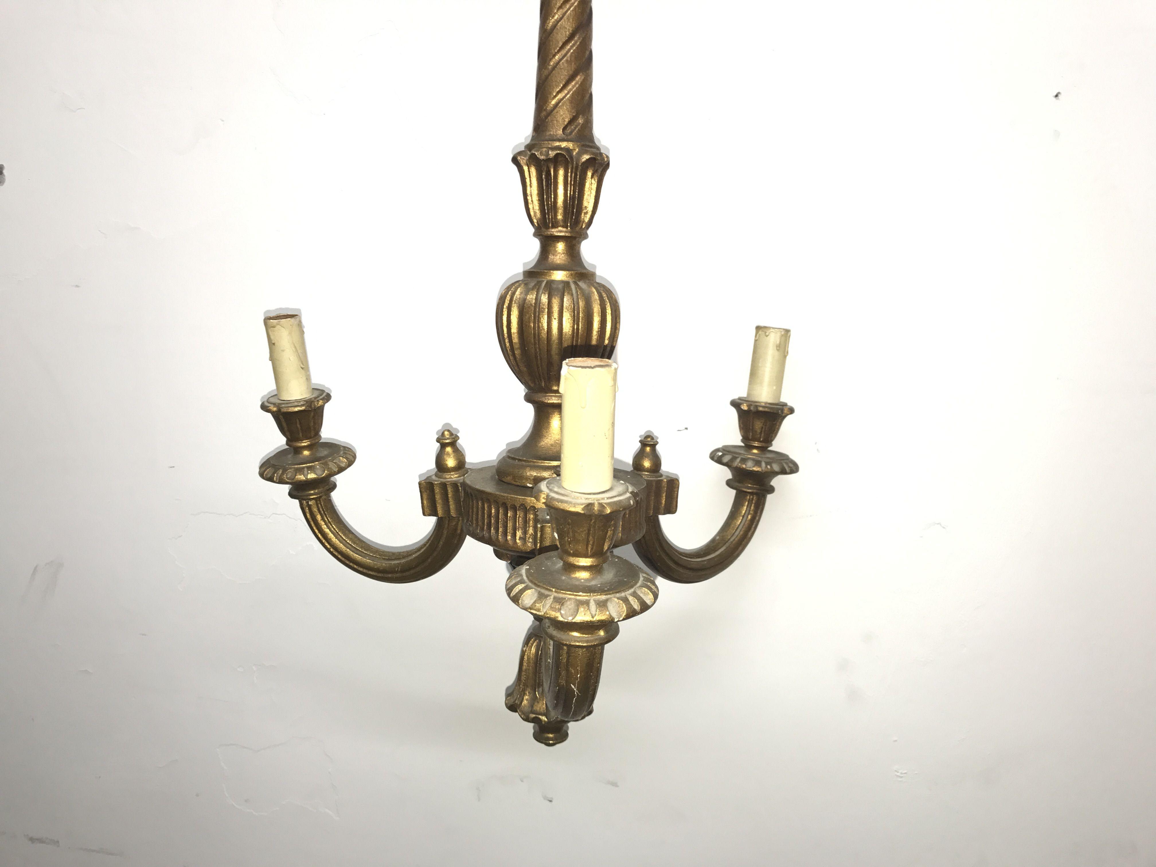 Lampadario In Legno Antico : Antico lampadario in legno foglia d oro oggetti unici rari