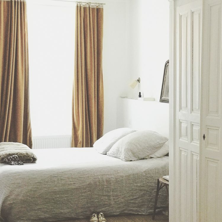 My Scandinavian Home A Beautiful Vintage Inspired Guest House In Reims In 2020 Simple Bedroom Home House Interior