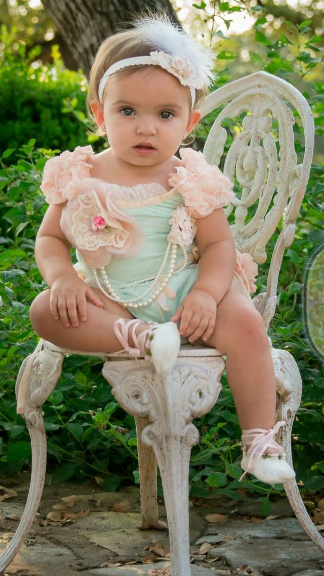 1b921d522 Bunny kisses from Dollcake. One year picture. | Preslyn Rae | Flower ...