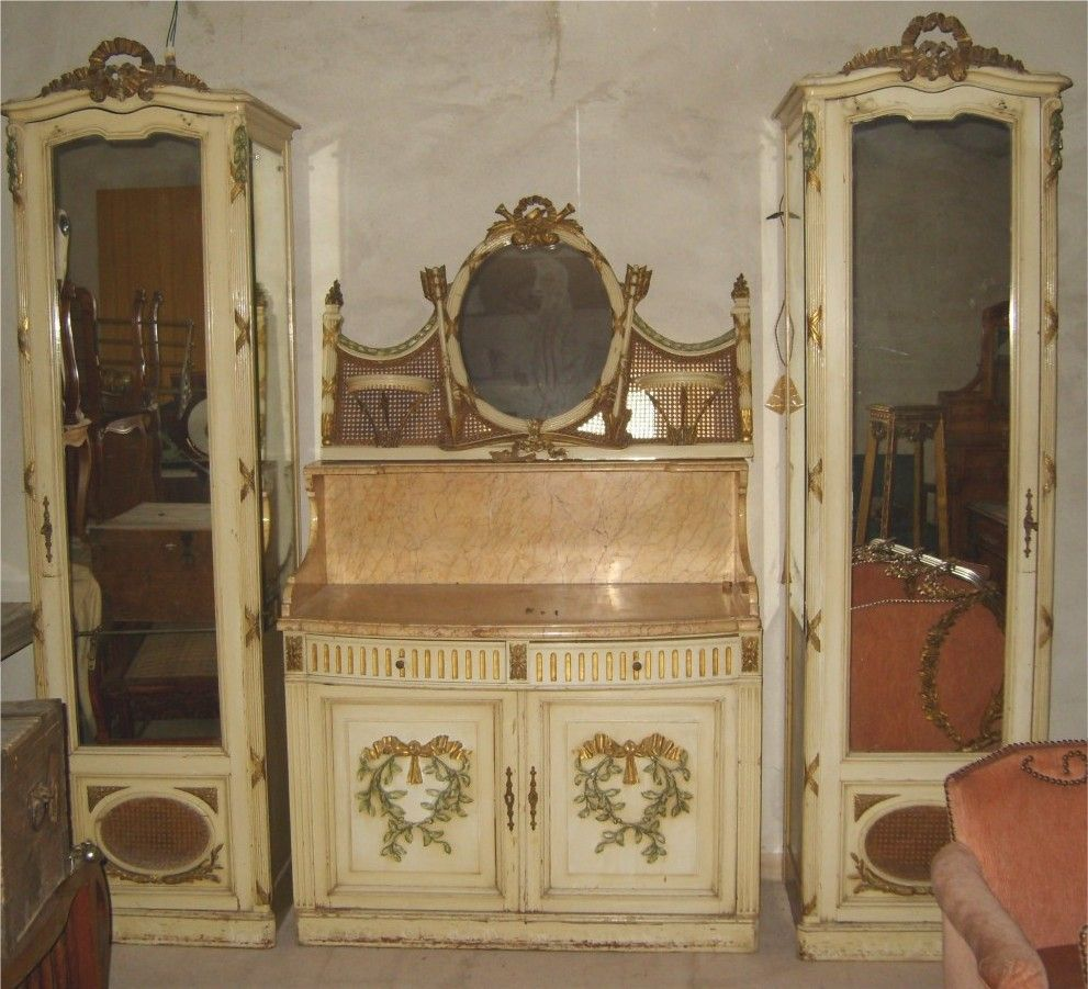Bon French Antique Armoire And Wardrobe Circa 1700u0027s And 1800u0027s .