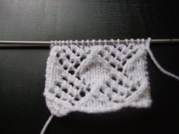 Diamonds & lace pattern | Lace pattern, Pattern, Knit ...