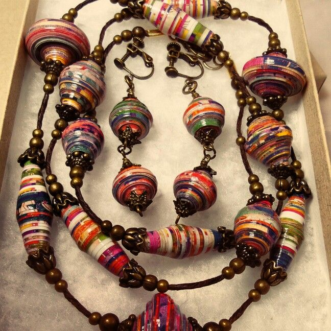 Paper Bead Necklace and Earring gift set By JoHaDesigns www.instagram.com/johannahibbs