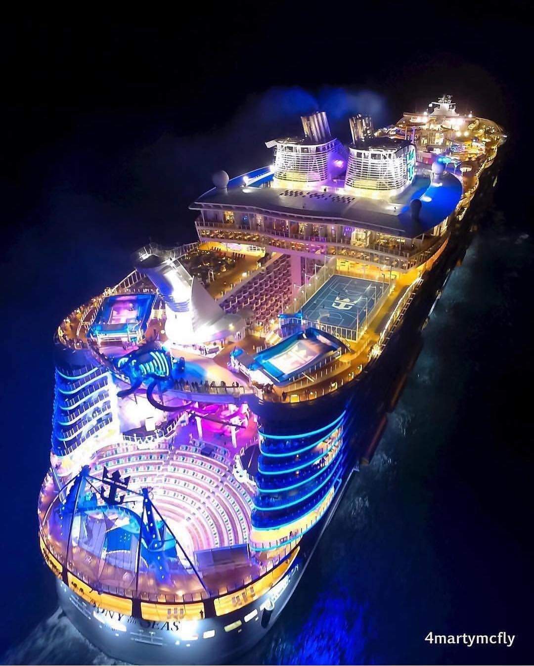 Billionaires Luxuries On Instagram What A Beautiful Night Time Picture Of A Cruise Ship Via Cruise Ship Pictures Biggest Cruise Ship Cruise Party