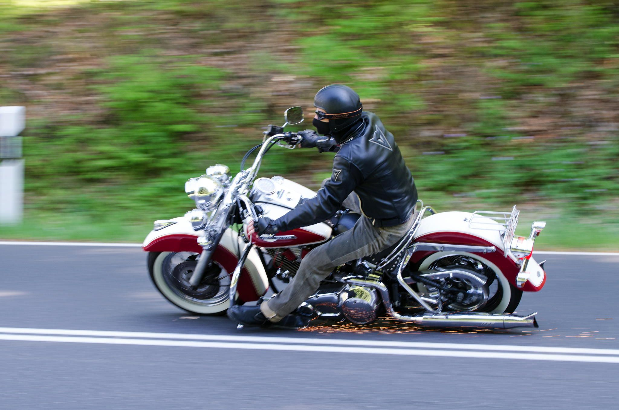 Harley Heritage Softail Classic Harley Davidson Bikes Softail Harley Bikes [ 1356 x 2048 Pixel ]