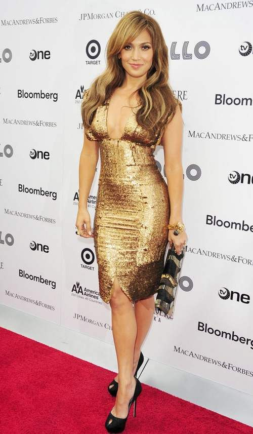 JLO.. Love her natural look, her Puerto Rican attitude, her curves... Love!