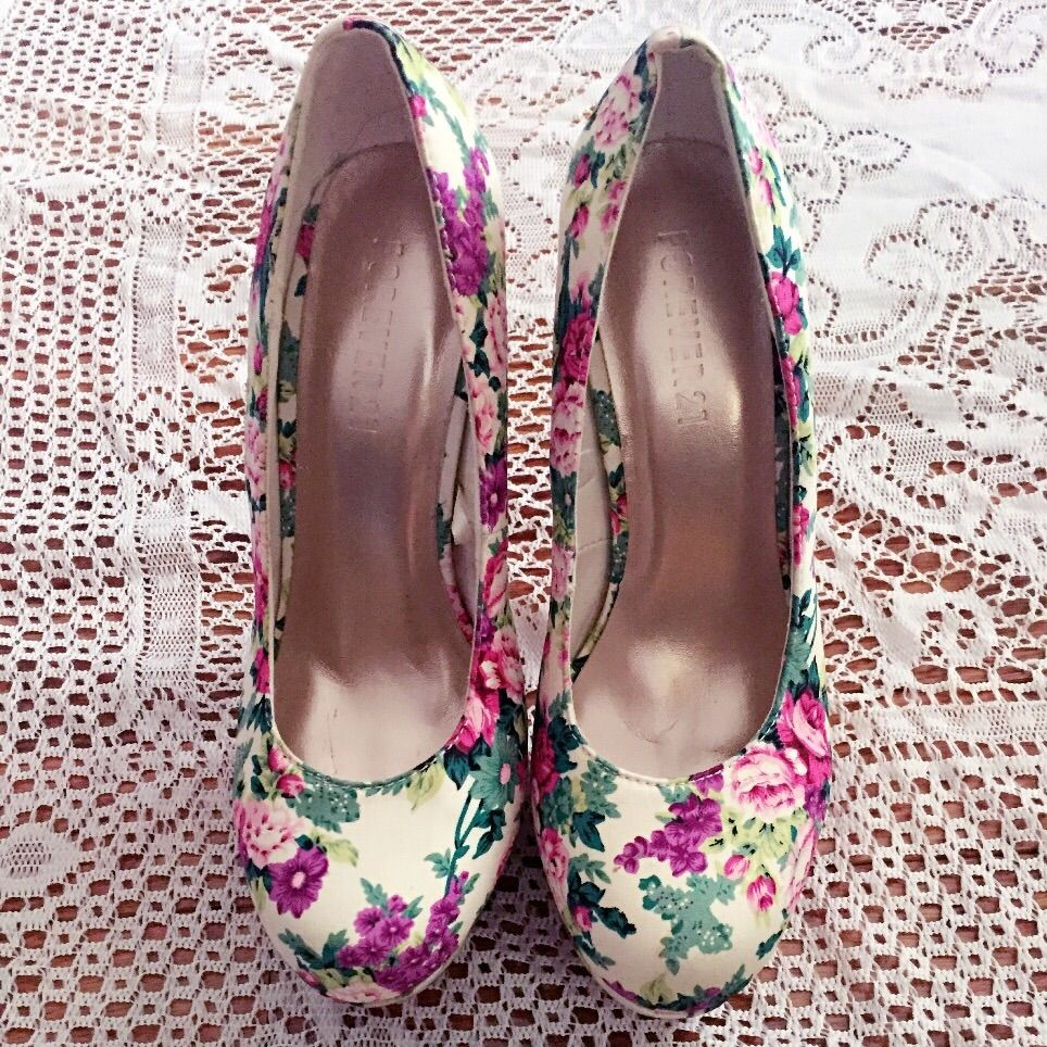 Forever 21 Xxi Floral Heel Pumps