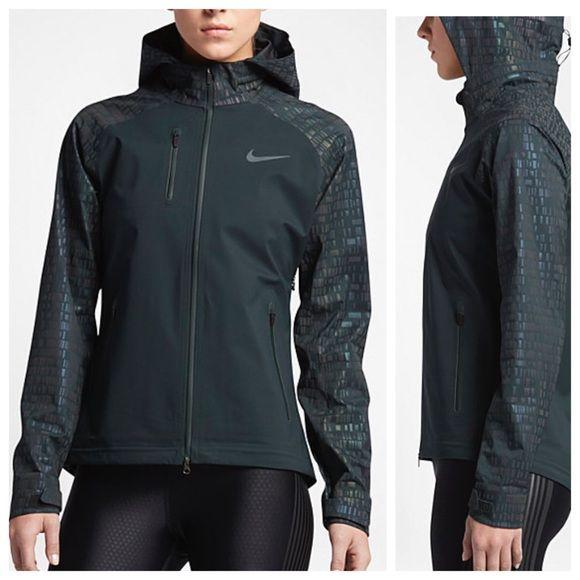 Nike Jackets   Coats - NIKE HYPERSHIELD FLASH jacket  8b905ca64