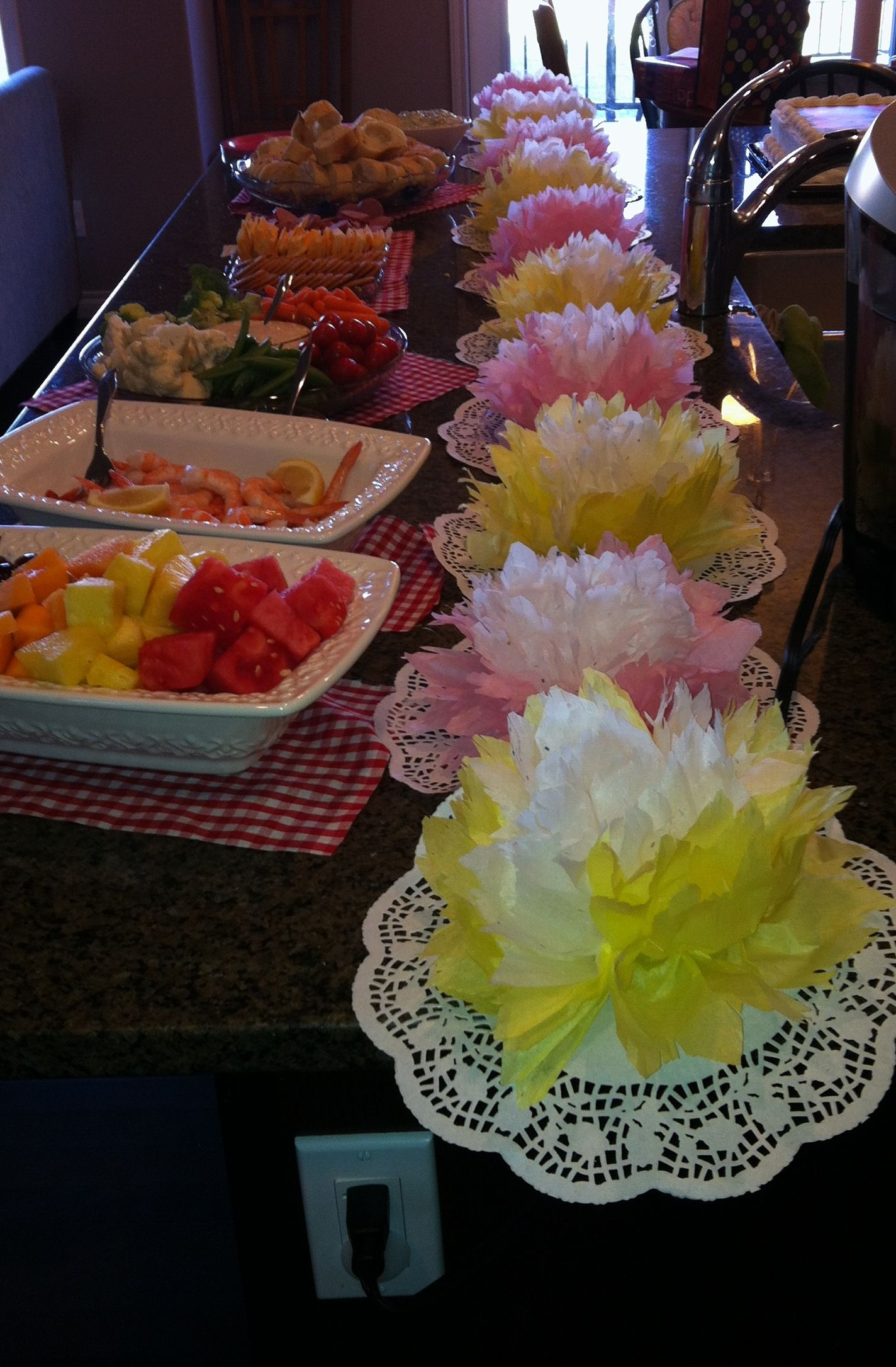 Diy Tissue Paper Flower Table Runner Birthday Table