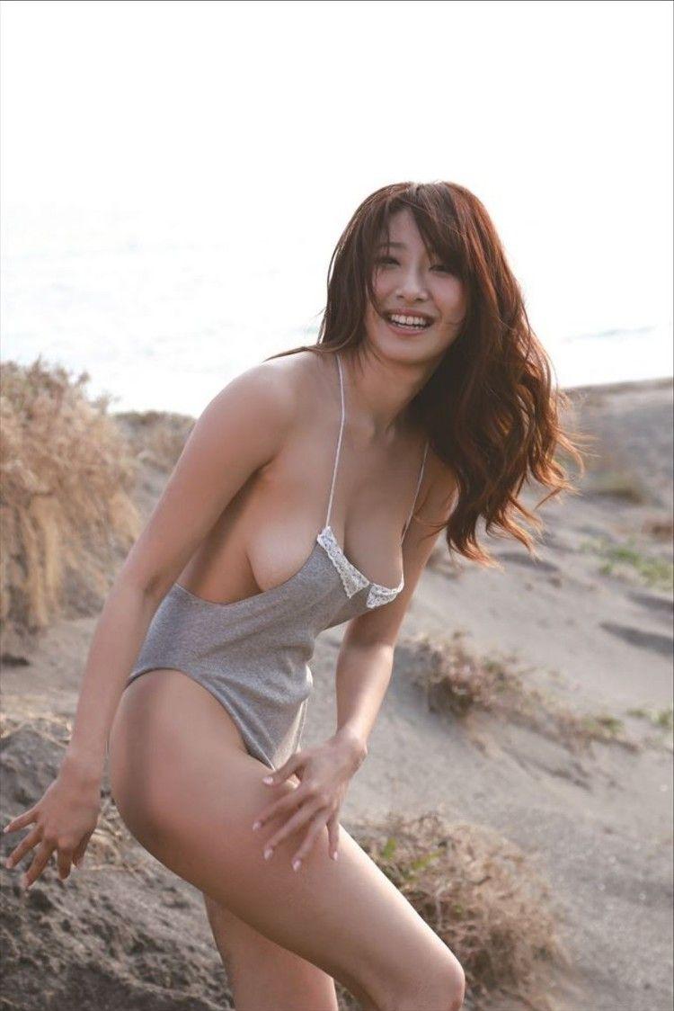 1つの太った熟女ポルノ角質の女性が探している
