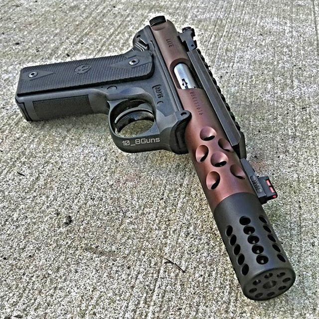 Ruger Mk IV 22/45 LITE. #ruger #mkiv #2245 #ruger2245 #22lr #igmilitia #gunsfanatics #gunsofinstagram #gunfreaks #dailybadass #dailygundose #gun #gunporn #gunphotos #guns #pistol #handgun #rimfire #2a #2ndamendment #pewpew @daily_gun_dose @daily_badass @gunsfanatics @gunfreaks @rugersofficial