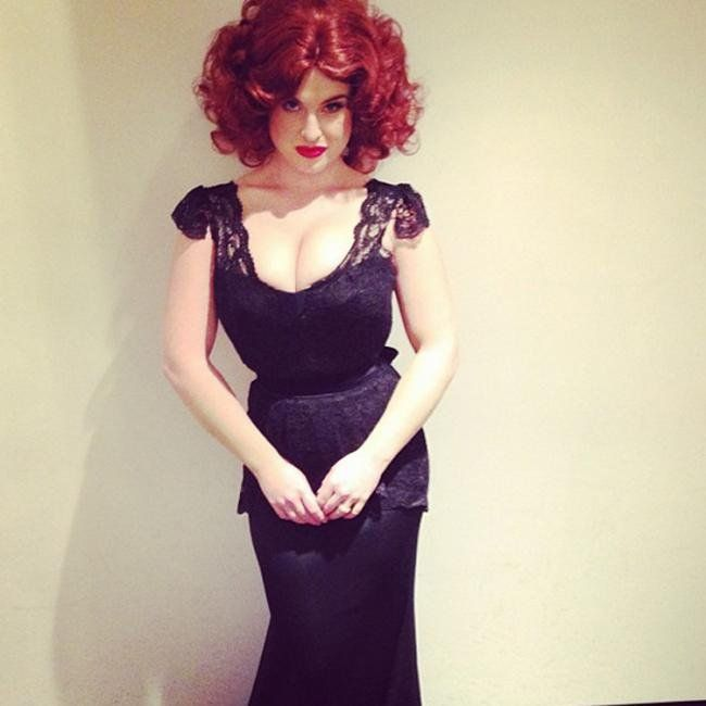 Kelly Osbourne joked that she had to wear three bras when dressing up as actress Christina Hendricks in 2013.