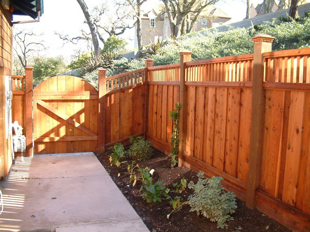 Board on board redwood fence with custom lattice and for Good neighbor fence plans