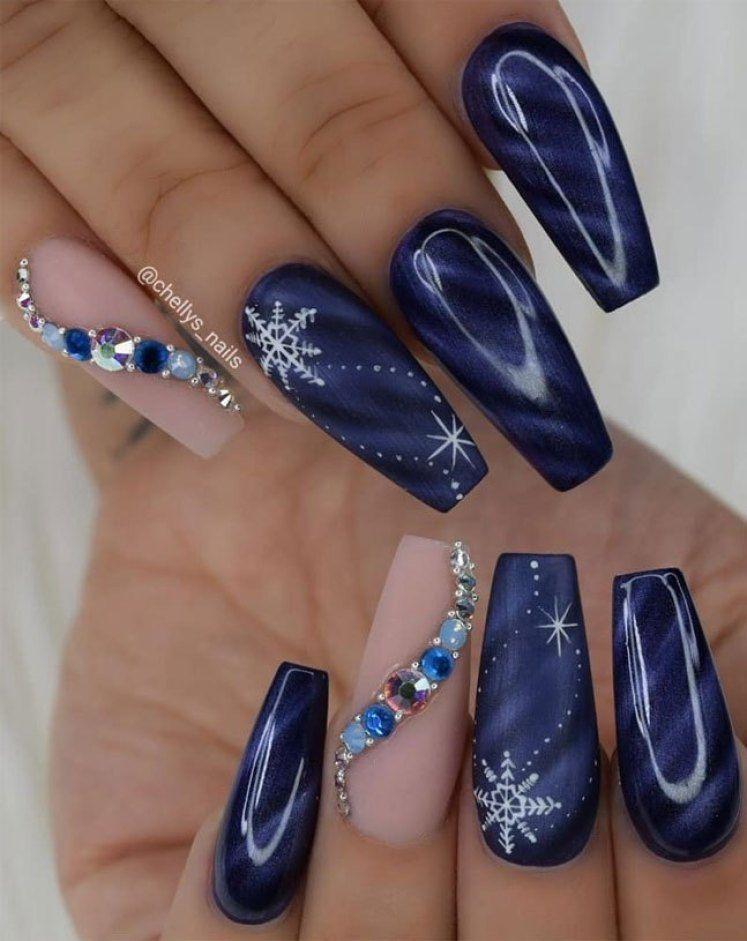 54 Festive Christmas Nail Art Ideas , winter nail art ideas
